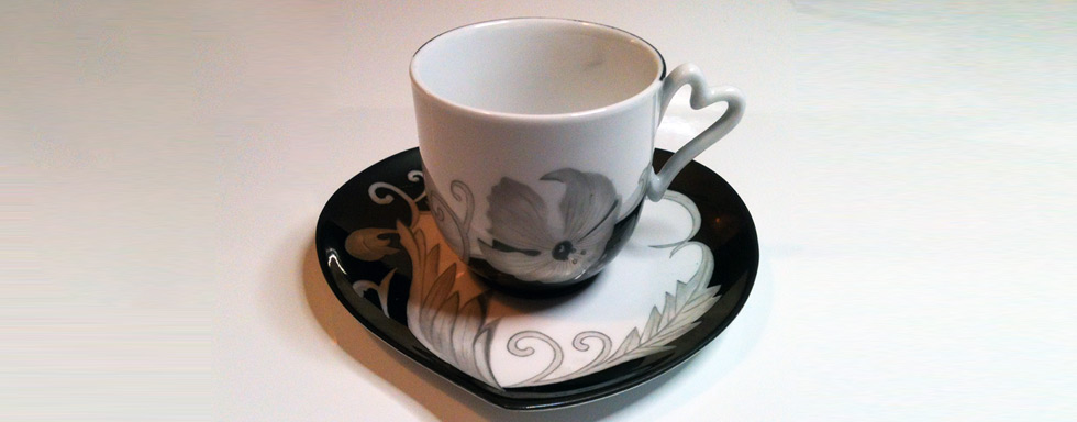 peinture sur tasses sous tasse service caf th en porcelaine. Black Bedroom Furniture Sets. Home Design Ideas