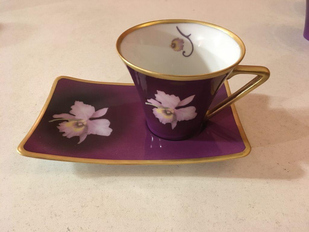 Tasse à café à l'orchidée
