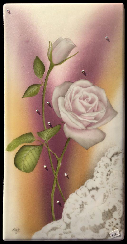 Rose à la dentelle grise